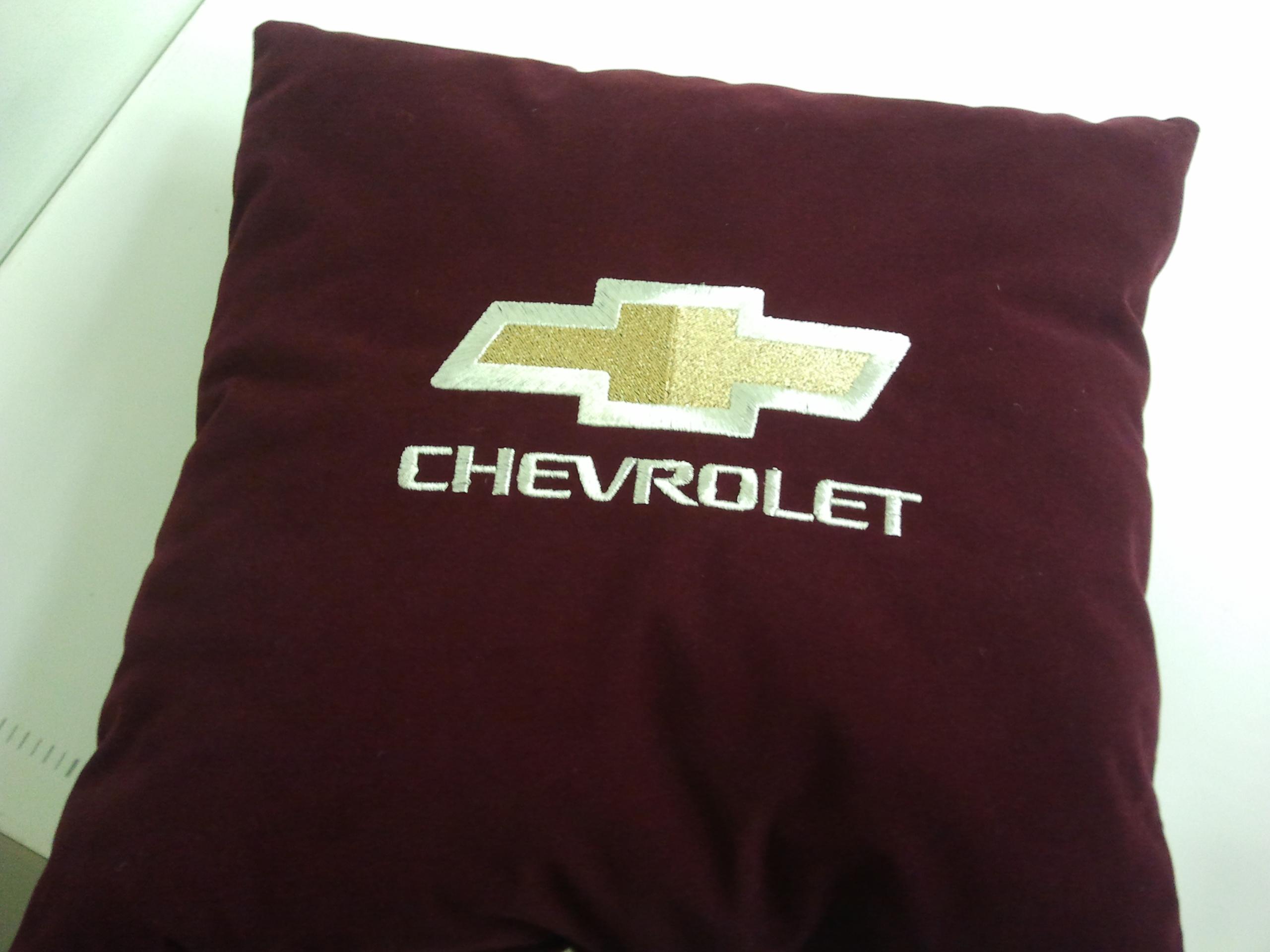 Вышивка в машину подушку